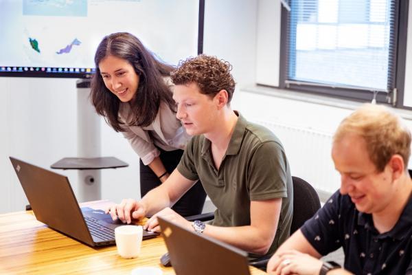 Samen met klanten werken aan een datagedreven cultuur en self service analytics, haal meer waarde uit je data